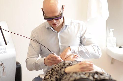 Laser behandling af akne, acne, ar og rynker i Odense